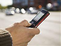 Recepción de sms en telefono celular alertando sobre inconvenientes en el canal de riego